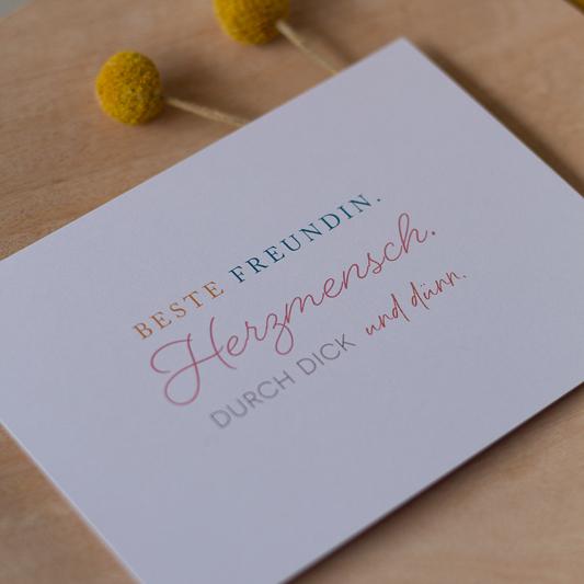 Beste Freundin Karte auf Holzteller mit Trockenblumen