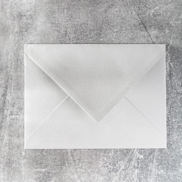 Kuvert mit Spitzklappe